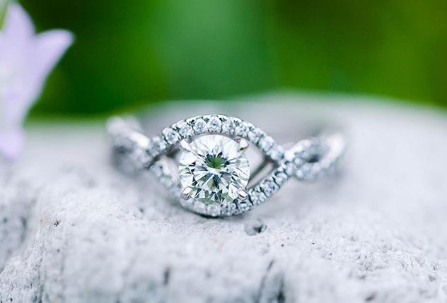 购买1克拉钻石